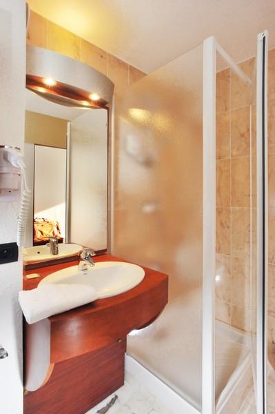 Brit hotel rennes saint gr goire le villeneuve salle - Salle de bain rennes ...