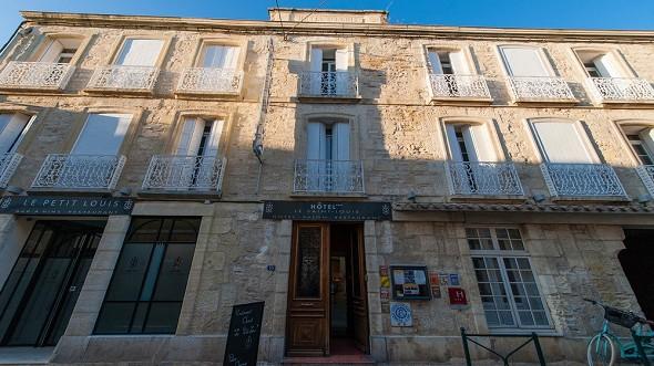 Saint-louis hotel - facade