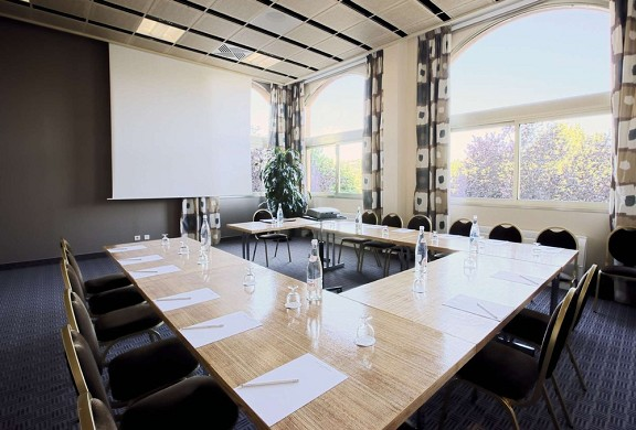 Hotel lyon metropole - meeting room