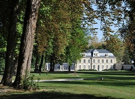 Manoir du Champagne Devaux - prestigious place to hold a seminar in oenological dawn