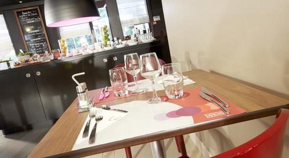 Campanille marseille vitrolles griffon - table