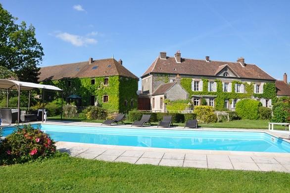 Hostel großes Haus Schwimmbad