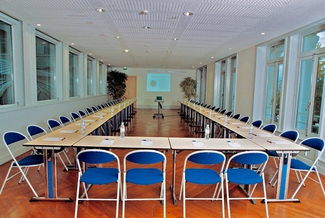 Palazzo light - attrezzata sala riunioni