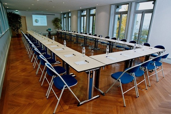 Palace light - equipped meeting room