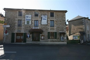Le Vieux Chateau - seminário Gencay