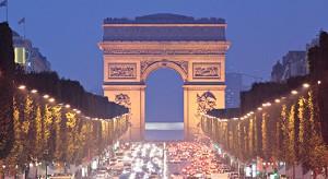 Inter-Center-Geschäft außerhalb Champs Elysees