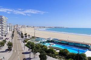Kyriad Les Sables d'Olonne Plage Convention Center - Seminar hotel on the beach