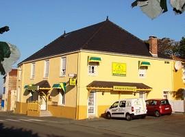 Auberge de la Terrasse La Chataigneraie - Frente