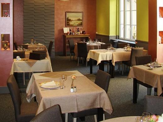 Ristorante con terrazza La Chataigneraie - ristorante