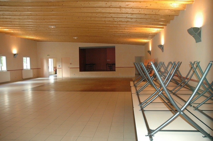 western pony salle s minaire orl ans 45. Black Bedroom Furniture Sets. Home Design Ideas