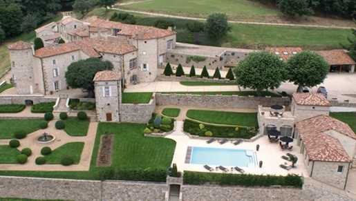 Castle Cachard - pool