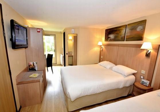 Hotel Restaurant Verrières-le-Buisson - Schlafzimmer