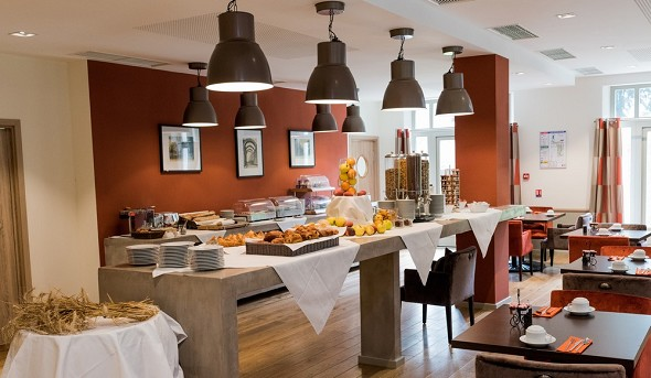 Castel maintenon hotel restaurant spa - colazione