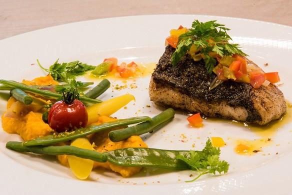 Castel maintenon hotel restaurant spa - piatto