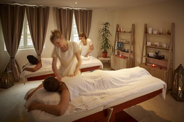 Castel maintenon hotel restaurant spa - sala per trattamenti