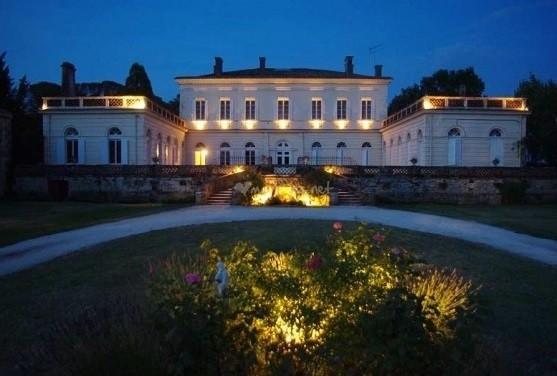 Castillo Boisverdun - fachada de la Noche