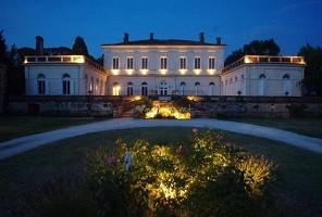 fachada de la noche