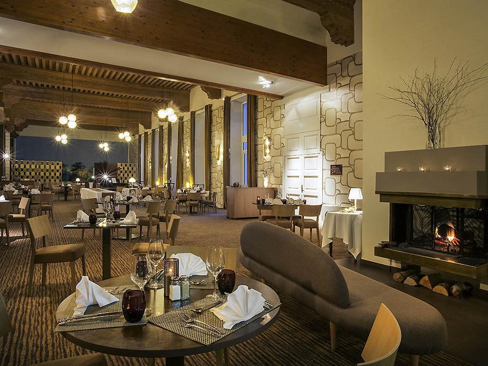 Mercure grand hotel des thermes brides les bains salle for Restaurant grand hotel des bains