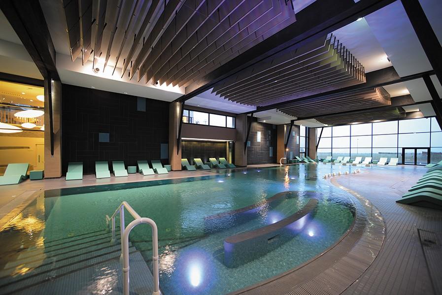 banhos Hotel Thalazur Cabourg - Piscina