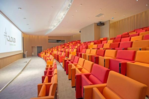 Auditorium - Cloud Business Center