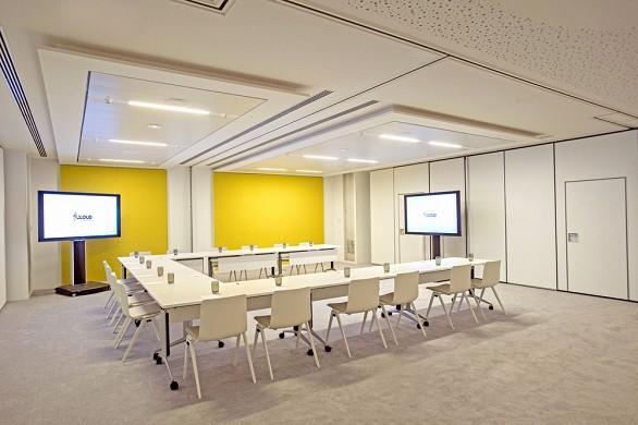 Cloud business center - bangalore workshop room