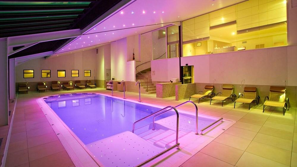 Chateau de pizay salle s minaire lyon 69 for Salon piscine lyon