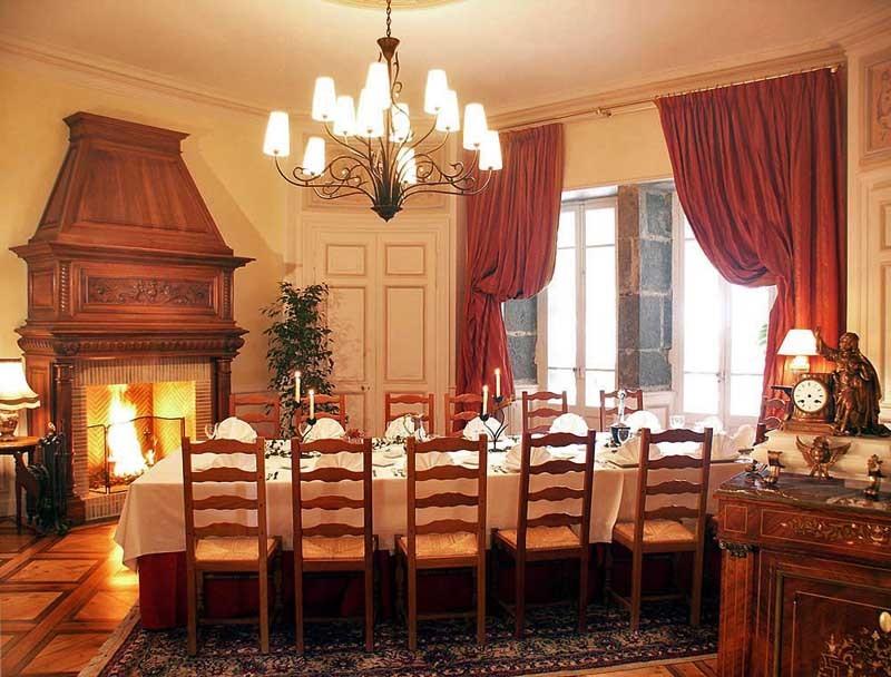 Chateau Des Comtes De Challes   Salle S U00e9minaire Chamb U00c9ry  73