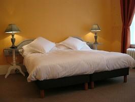 Grande letto piccolo arancione formas