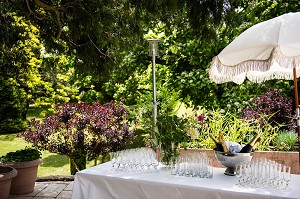 Weddingbarhotellagentilhommiereardeche002
