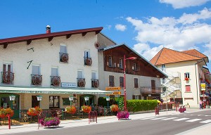 Hotel Le Lac Malbuisson - Hotel Front