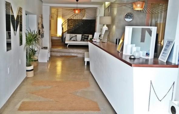 Mahogany beach hotel - reception