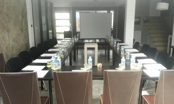 Mahogany beach hotel - meeting room