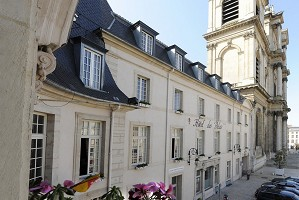 Hôtel des Prelats - Frente