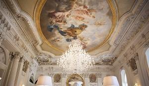 White lounge - Château de Ferrières