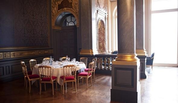 Ferrières castle - blue salon