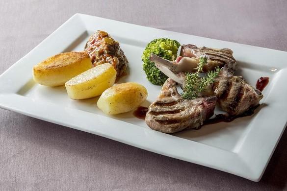 Brit hotel rennes, le castel - proposta culinaria