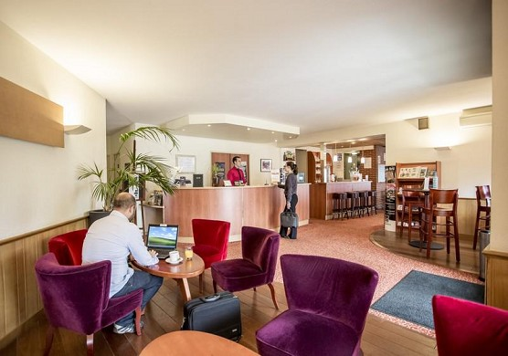 Brit hotel rennes, le castel - area relax