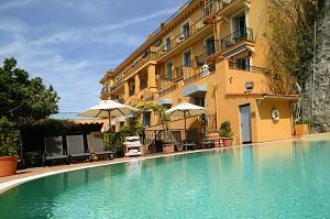 Hotel La Perouse - Swimming Pool