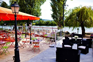 The Canisses Hotel Restaurant - Terrace