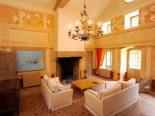 Chateau de Chavagneux - living room