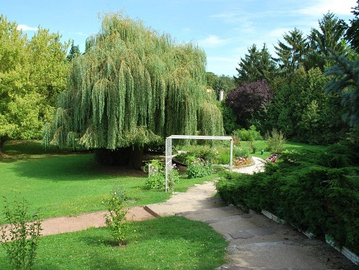 The square house - garden
