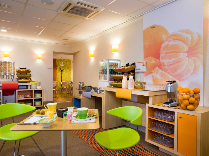 Ibis styles nancy center gare - breakfast room
