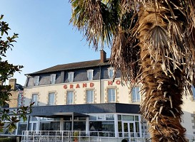 Grand Hotel de Mayenne - Front