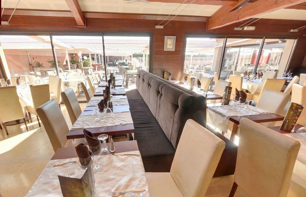 restaurant vito piu di prima salle s minaire avignon 84. Black Bedroom Furniture Sets. Home Design Ideas
