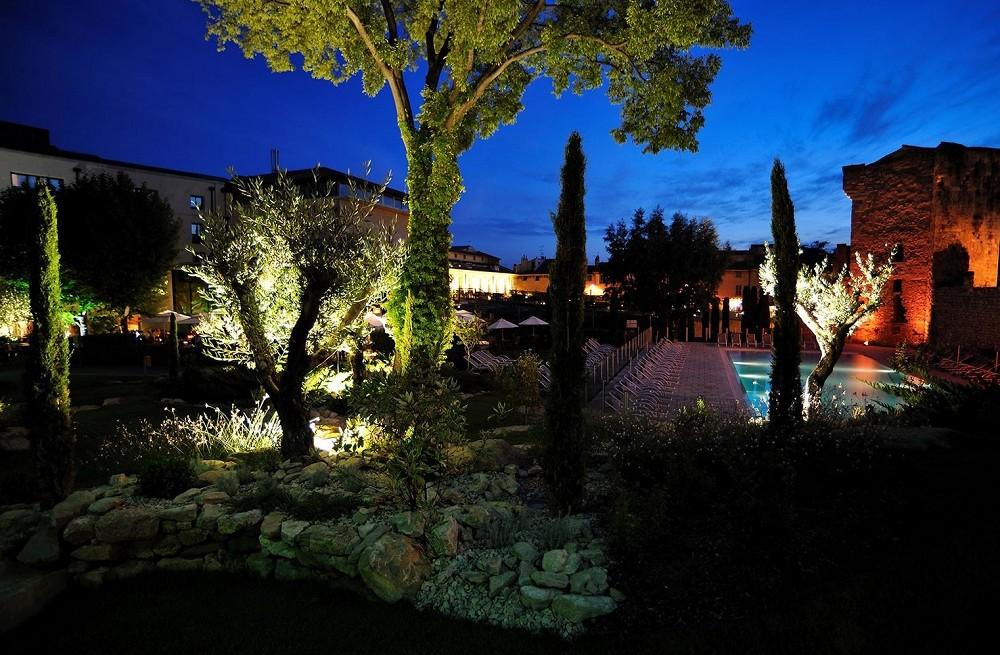 Hotel y spa Aquabella - vista nocturna
