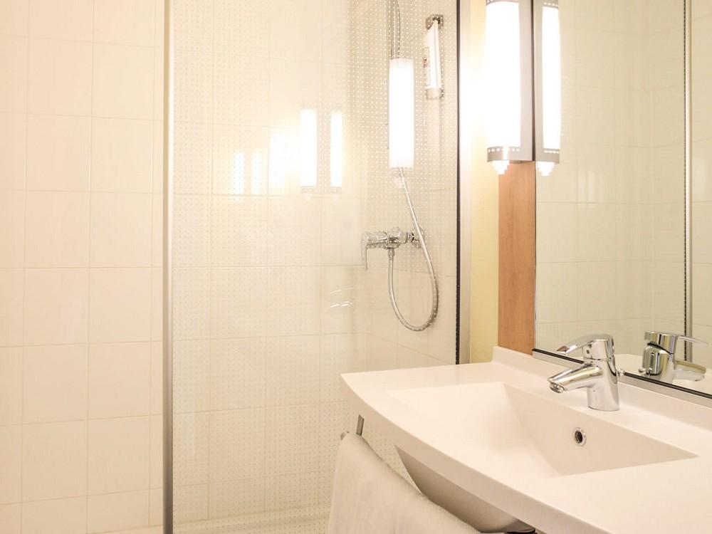 ibis ch lons en champagne salle s minaire ch lons en champagne 51. Black Bedroom Furniture Sets. Home Design Ideas