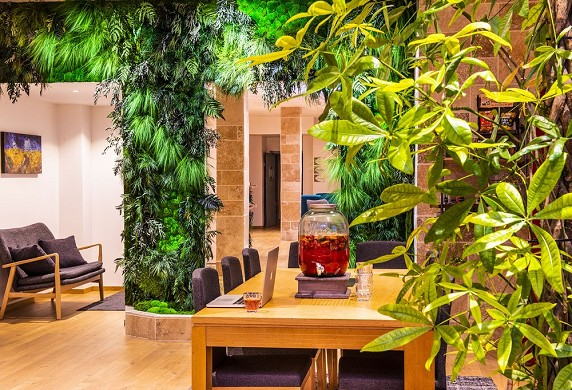 Impressionists 'Green: rincón de negocios accesible para todos nuestros clientes.