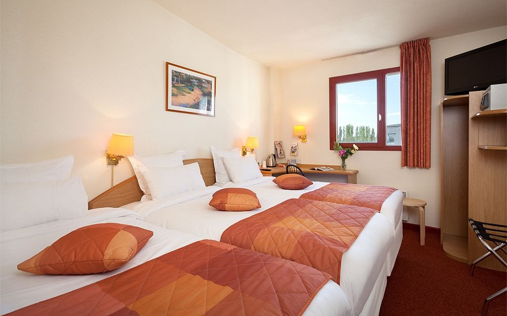 Comfort h tel airport cdg salle s minaire roissy en for Chambre airport
