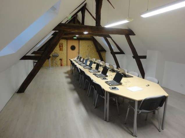 3 IT services - meeting room