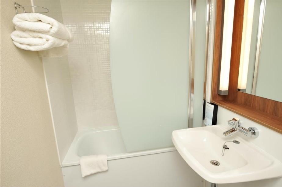 campanile reims est taisy salle s minaire reims 51. Black Bedroom Furniture Sets. Home Design Ideas